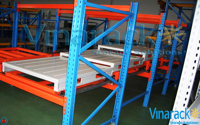 Automated warehouse shelves